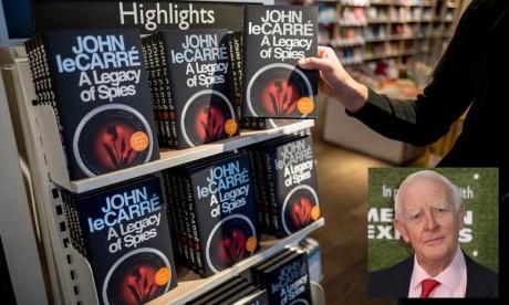 Décès de John Le Carré, maître britannique du roman d'espionnage