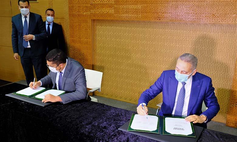 Deux protocoles d'accord pour la création de quatre usines ont été signés à Casablanca, lors d'une cérémonie présidée par le ministre Moulay Hafid Elalamy. Ph. DR