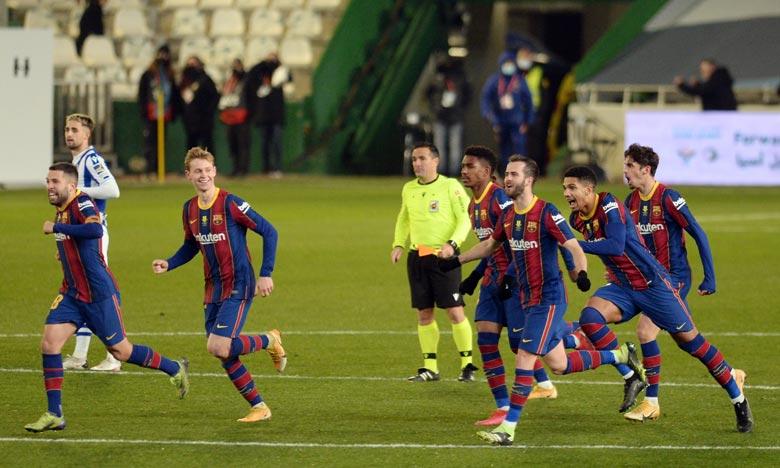 Le FC Barcelone évoluait sans Lionel Messi, touché à la cuisse gauche. Frenkie de Jong a donné l'avantage à Barcelone (39e), Mikel Oyarzabal a égalisé sur penalty (51e). Ph : AFP