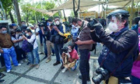 Plus de 600 journalistes morts de la Covid-19