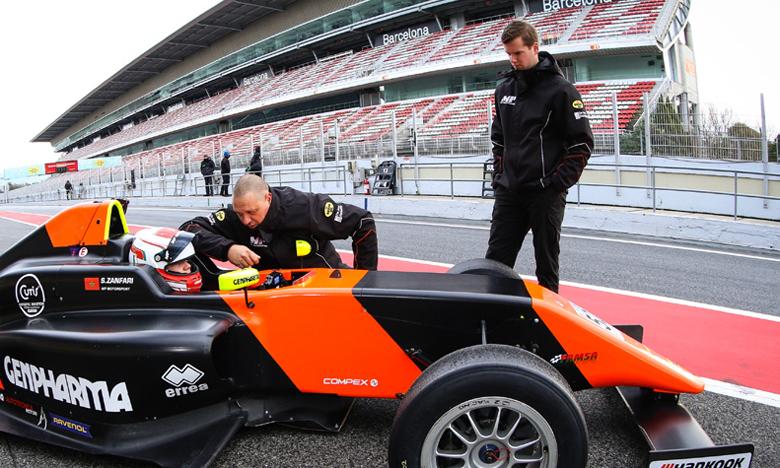Suleiman Zanfari lors d'une course de F4 en  Espagne la saison dernière.