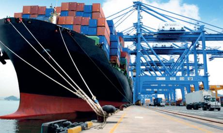 Les exportations en repli de 8,4%,  les importations de près de 16%