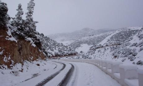 Chutes de neige: Huit routes rouvertes à la circulation à Taza