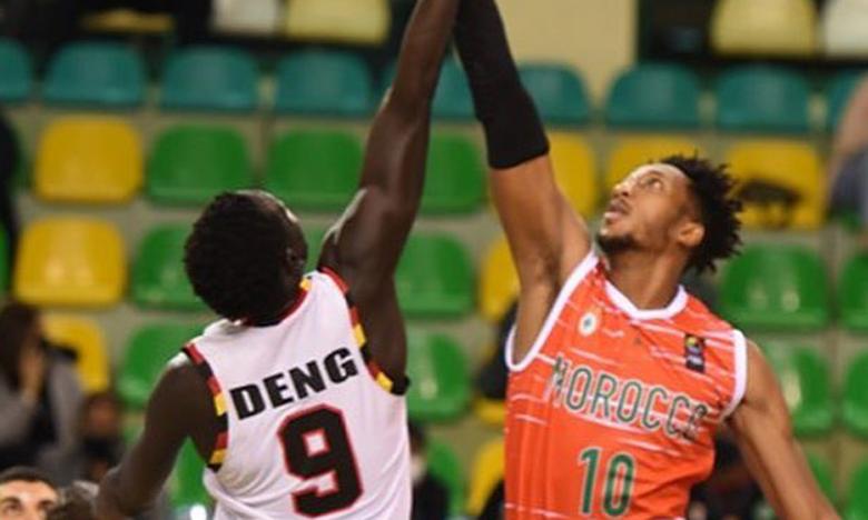 Séquence de jeu lors du match Maroc-Ouganda, lors du deuxième round des éliminatoires à l'Afrobasket 2021 en Égypte.