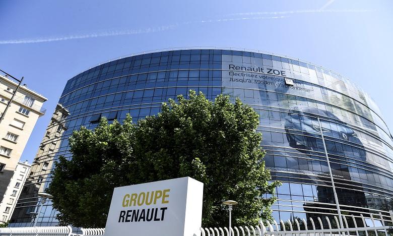 """Renault présente la """"Renaulution"""" qui doit relancer ses ventes"""