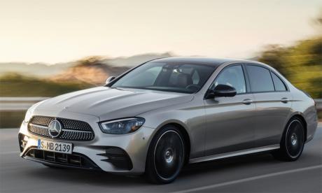 La nouvelle Classe E facelift a subi une dynamisation et une valorisation profondes.