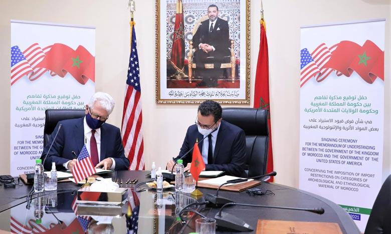 Le MoU a été signé par le ministre de la Culture, de la Jeunesse et des Sports, Othman El Ferdaous et l'ambassadeur des États-Unis d'Amérique au Maroc, David Fisher. Ph : MAP