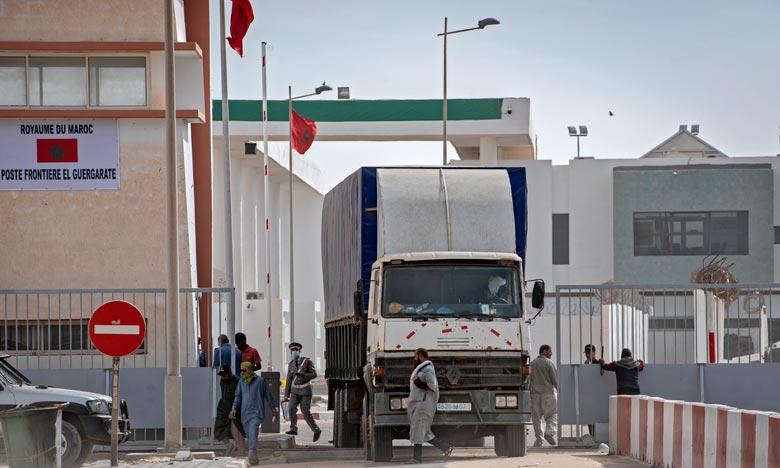 Le passage de Guergarate a été sécurisé par les FAR et le trafic routier entre le Maroc et la Mauritanie, et au-delà vers l'Afrique subsaharienne, n'est aucunement perturbé. Ph : DR