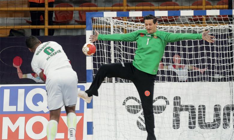 Auteur d'une performance XXL face à l'Algérie, le portier des Lions, Yassine Idrissi, a été désigné homme du match.