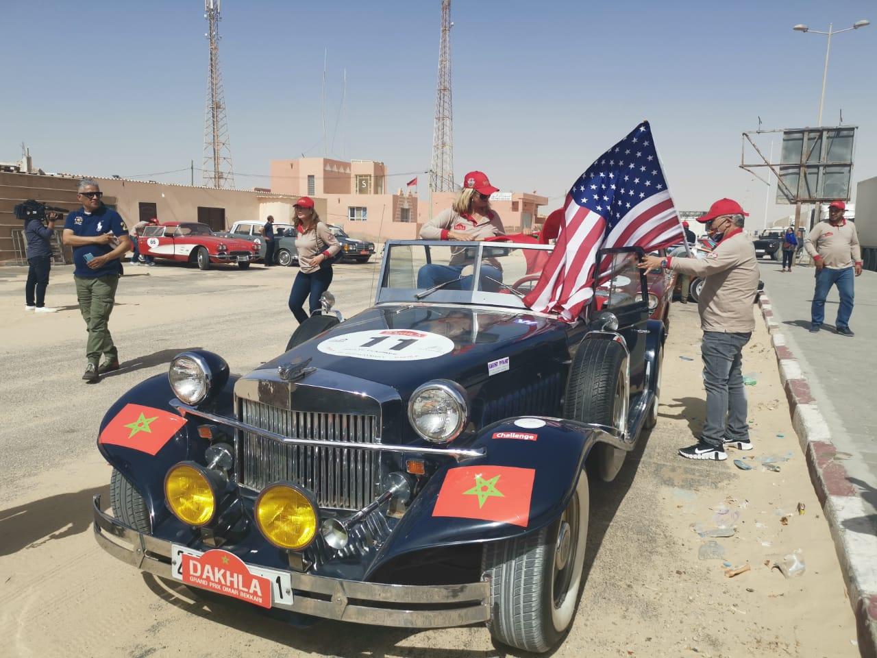 Les amateurs des véhicules anciens partagent leur passion à El Guerguerat