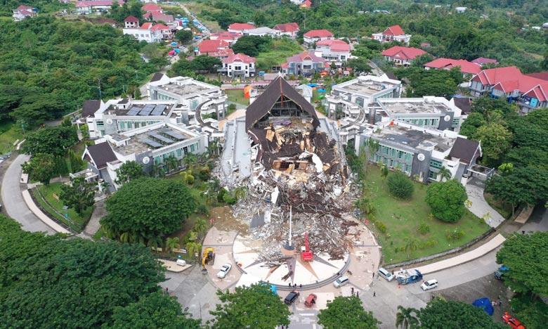 Si des milliers de personnes ont perdu leurs maisons, d'autres ne veulent pas rentrer chez elles, par peur de répliques ou d'un tsunami comme en 2018. Ph :  AFP