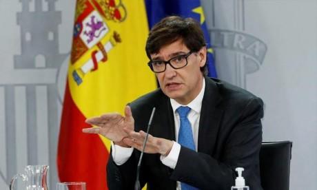 Espagne: Le ministre de la Santé quitte son poste pour s'engager dans la campagne électorale catalane