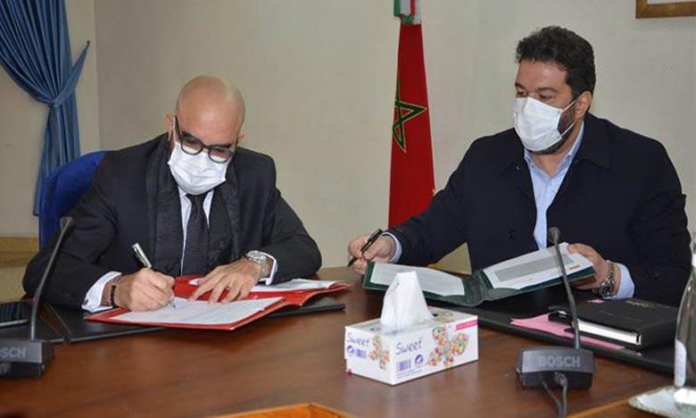Cette convention intervient suite à des accords similaires signés entre le Groupe Attijariwafa Bank et les CCIS de Rabat, Marrakech et Casablanca. Ph : MAP
