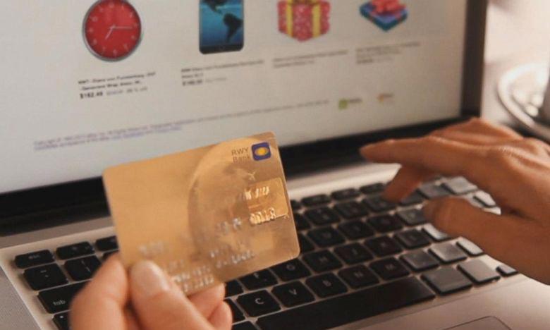 La pandémie du Covid-19 a bouleversé les habitudes de consommation, en privilégiant les achats numériques qui ont par conséquent multiplié les livraisons à domicile. Ph : DR