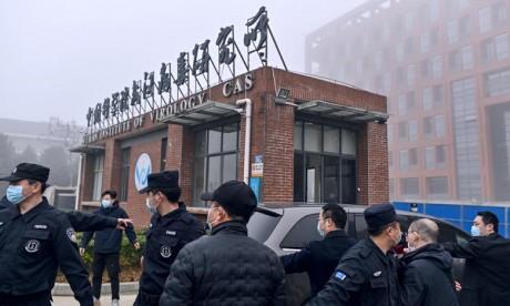 Covid-19: Les experts de l'OMS visitent l'Institut de virologie de Wuhan