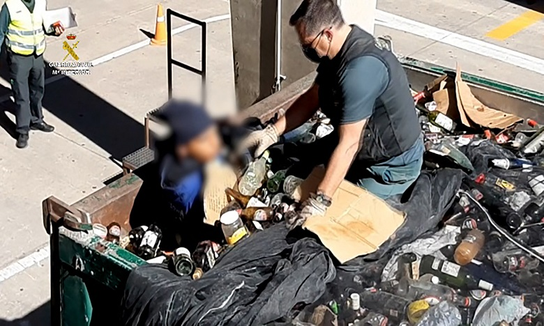 Un migrant retrouvé dans un sac de déchets toxiques au port de Melilla