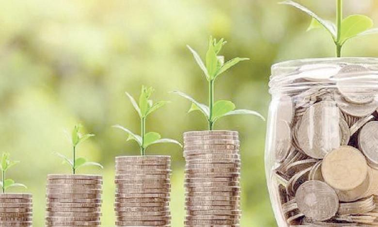 Qu'elle soit celle des ménages, des entreprises ou de l'État, l'épargne mesure le taux de croissance de la productivité, de celle des revenus et est corrélée au taux d'investissement.