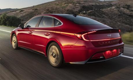 Avant-première nationale, la Hyundai Sonata Hybride Ultimate S à toit solaire sera le premier véhicule au Maroc doté d'un système de charge solaire écologique.