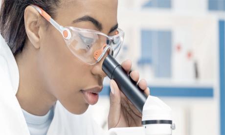 Pourquoi les femmes doivent s'intéresser  aux  formations scientifiques ?