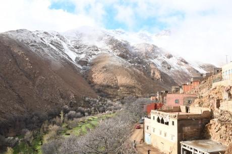 Immersion solidaire sur le toit  du Maroc dans la Commune  rurale de Toubkal
