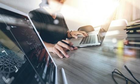 Secteur des technologies: La COVID-19 a bien retardé l'évolution  de carrière des femmes