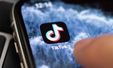 Plusieurs associations de consommateurs en Europe ont annoncé le dépôt d'une plainte contre le réseau social TikTok, accusé d'exploiter les droits et les données des utilisateurs, souvent très jeunes. Ph : DR