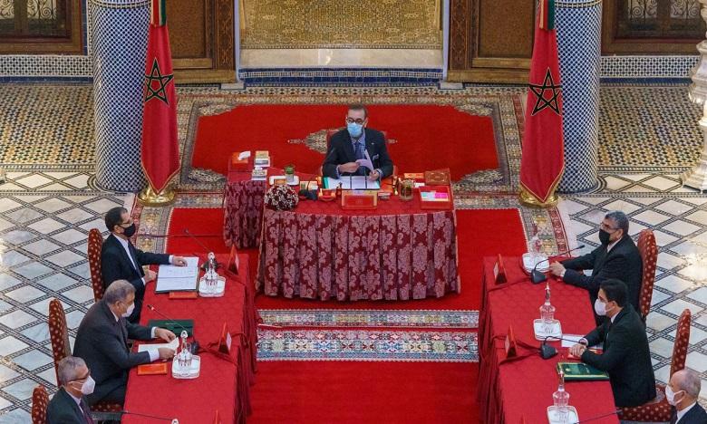 Sa Majesté le Roi Mohammed VI préside un Conseil des ministres au Palais Royal à Fès