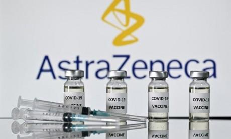 """Covid-19 : Le vaccin AstraZeneca conserve une """"efficacité similaire"""" contre le variant anglais, selon une étude"""
