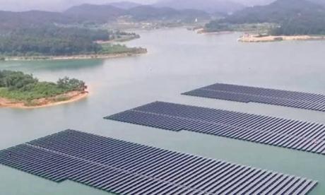 Les panneaux solaires flottants pourraient doubler la production