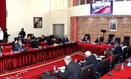 Inauguration du mur de bibliothèque numérique du British Council  à l'Université Ibn Tofaïl