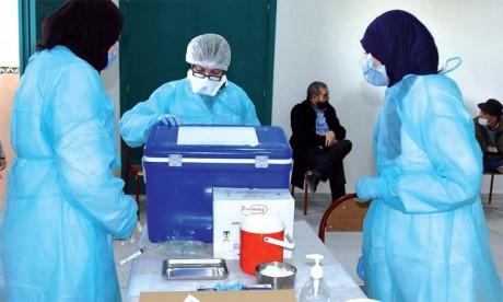 Ministère de la Santé : Aucune relation n'est établie entre l'utilisation du vaccin AstraZeneca et la survenue d'accidents thromboemboliques au Maroc