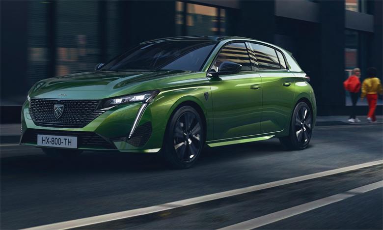 Sensuelle et aiguisée, la nouvelle 308 s'inscrit dans un monde de référence plus haut de gamme et plus dynamique.