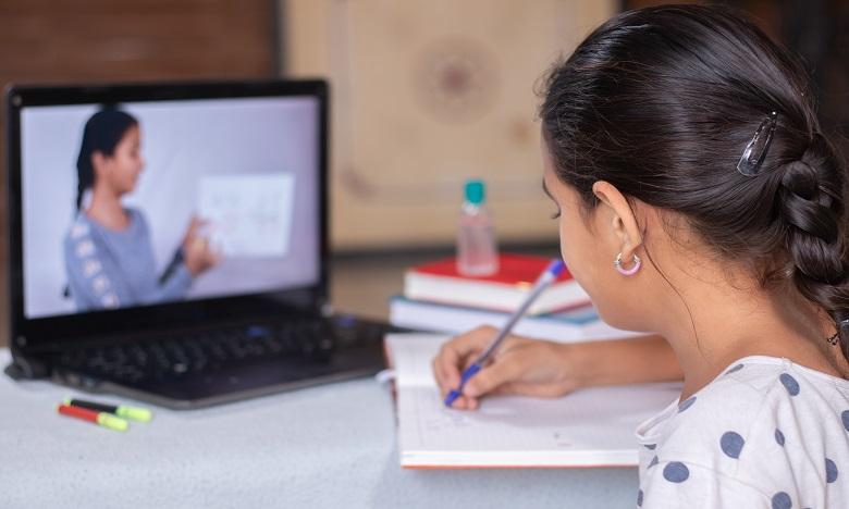 L'Heure Joyeuse s'implique dans l'enseignement à distance via la campagne «Madrasstna Fdarna»