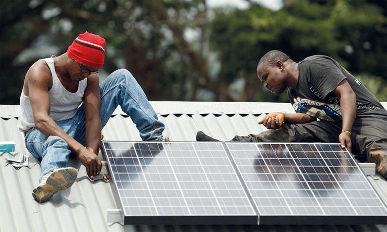 Les 500 milliards de dollars annuels de subventions accordées aux énergies fossiles n'ont pas empêché les renouvelables d'atteindre «le point de bascule», seuil au-delà duquel un changement rapide s'opère.Ph. ONU