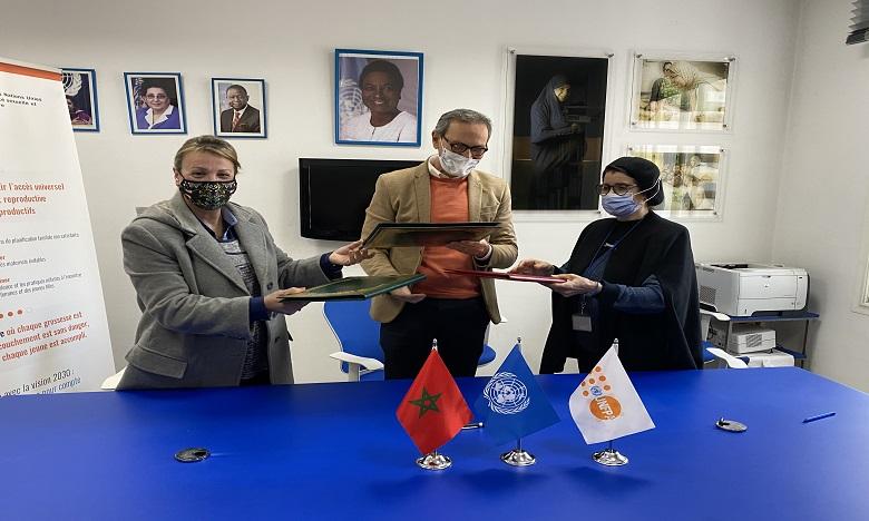 UNFPA et les associations de sages-femmes s'unissent  pour la promotion de la santé et des droits des femmes
