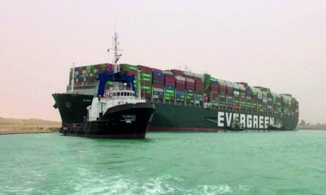 Le trafic reprend sur le canal de Suez