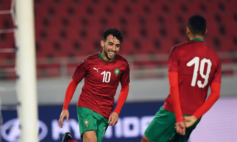 Munir El Haddadi célébrant son but face au Burundi avec son copéquipier Youssef En-Nesyri.
