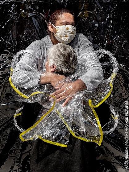 """Découvrez l'image """"emblématique"""" du Covid-19 qui a remporté le World Press Photo de l'année !"""
