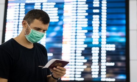 """Covid-19 : La France premier pays de l'UE à adopter un """"passeport sanitaire"""""""