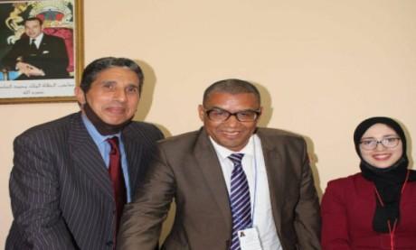 Les étudiants rendent hommage au penseur  et professeur d'esthétique le Dr Mohamed Chiguer