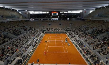 Tennis : Roland-Garros opte pour un report d'une semaine