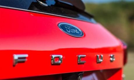 Ford plombé par la pénurie de puces électroniques