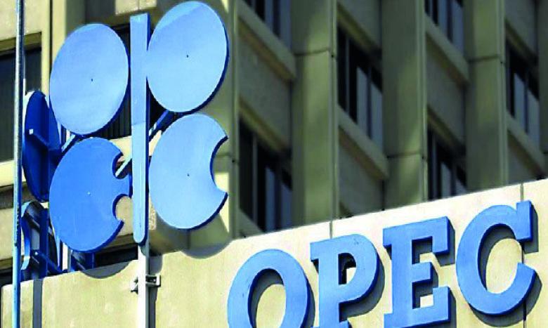 Les cours du pétrole refont  surface et grimpent