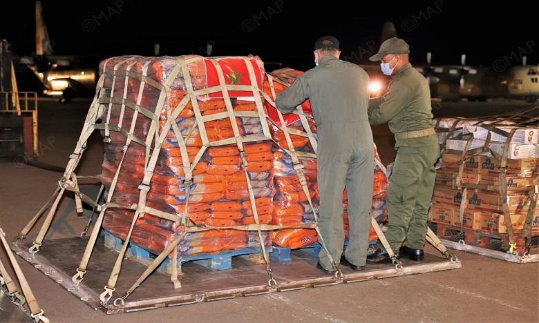 Le premier lot des aides alimentaires, destinées aux forces armées et au peuple libanais, est arrivé samedi matin à bord de deux avions militaires marocains. Ph. DR