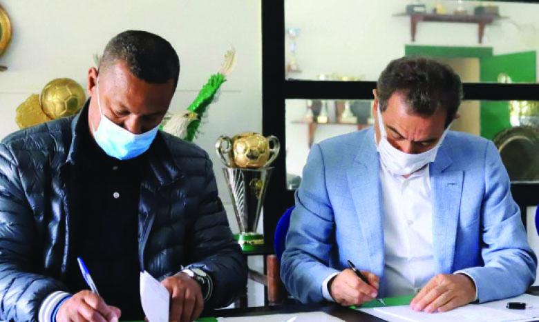 Lassaad Chabbi a paraphé un contrat jusqu'à la fin de la saison avec le Raja.