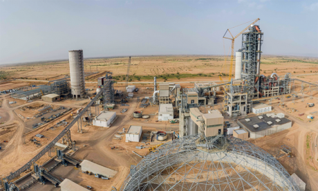 L'usine disposera d'une capacité de production annuelle de 1,6 million de tonnes de ciment et couvrira les besoins de toute la région du Sud.