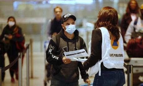 Ottawa adhère au principe d'un passeport vaccinal pour les voyageurs