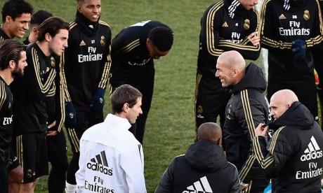 Real Madrid: Zidane dément avoir annoncé son départ à ses joueurs