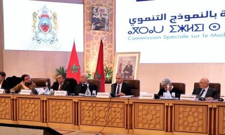 Rapport sur le modèle de développement: Les réactions des partis politiques
