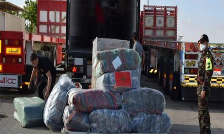 Arrivée au Caire de deux avions militaires marocains transportant une aide humanitaire d'urgence au profit des Palestiniens en Cisjordanie et dans la bande de Gaza